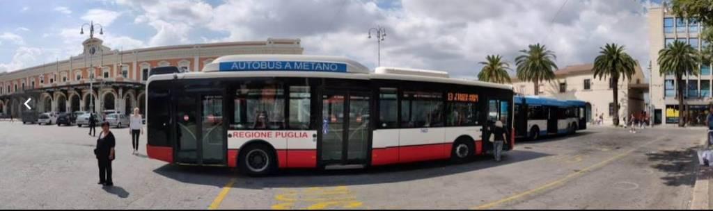Bari Flughafen  Centrale Bus